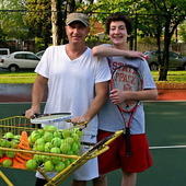 Steve D. teaches tennis lessons in Chicago, IL